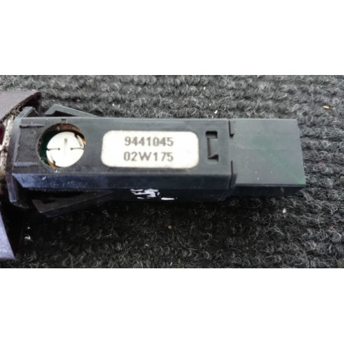 VOLVO S60 V70 XC70 Avarinių žibintų jungtukas 9441045