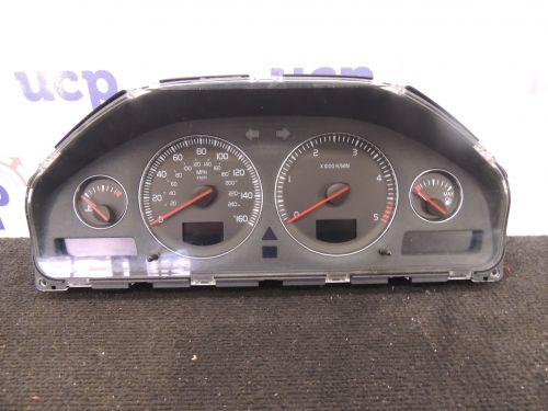 Volvo XC70 Spidomertas (prietaisu skydelis) 30682287