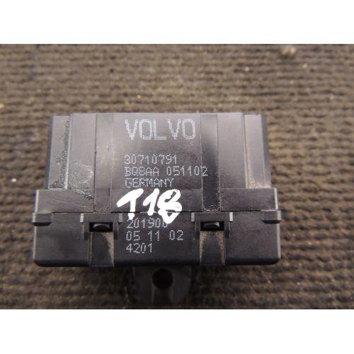 Volvo XC90 Sėdynių šildymo rėlė 30710791