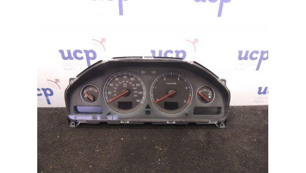 Volvo Spidometras (prietaisų skydelis) 30746111