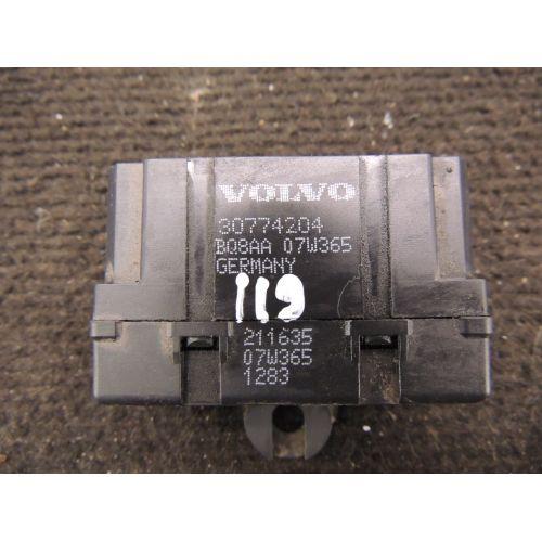 Volvo V70 Sėdynių šildymo rėlė 30774204