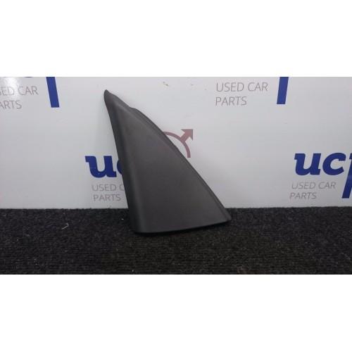VOLVO S60 V70 Veidrodžio plastmasinis trikampis, salono apdaila 9151935
